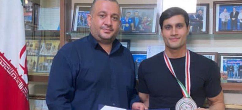 تجلیل از محمد مهام نائب قهرمان اولین دوره مسابقات فیتنس اسپرت قهرمانی کشور