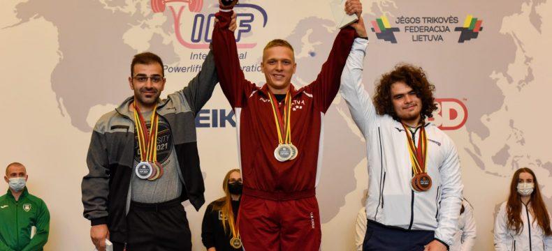 درخشش ورزشکار آذربایجان شرقی در رقابتهای جهانی پاورلیفتینگ